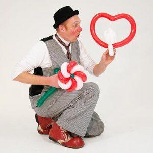 Een ballonnenclown inhuren doet u bij Clown.nl